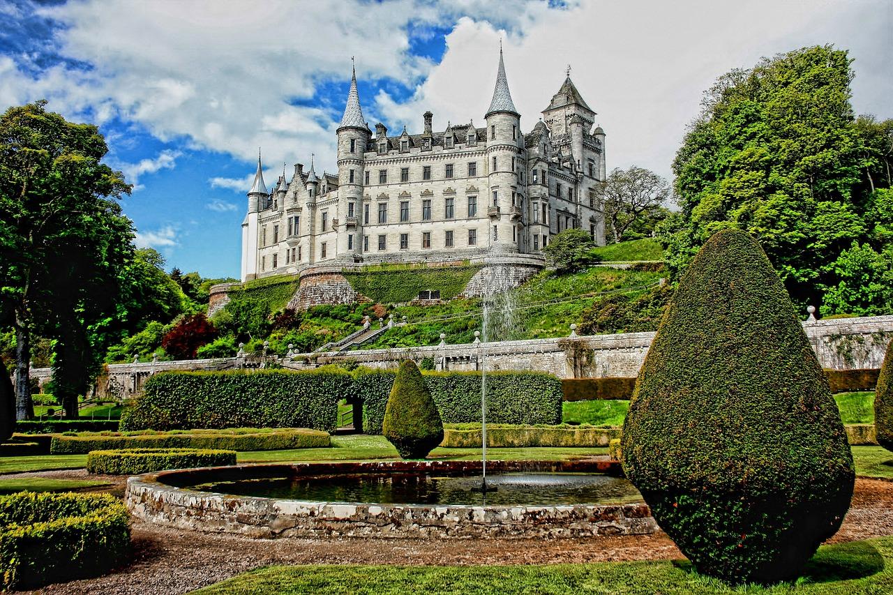 Фонтаны в Дунробинском замке Замок Данробин Замок Данробин в Северной Шотландии dunrobin 453164 1280