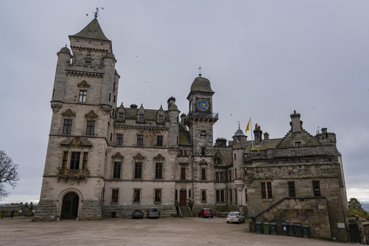 Вне Дунробинского замка в Шотландии Замок Данробин Замок Данробин в Северной Шотландии dunrobin castle scotland 3
