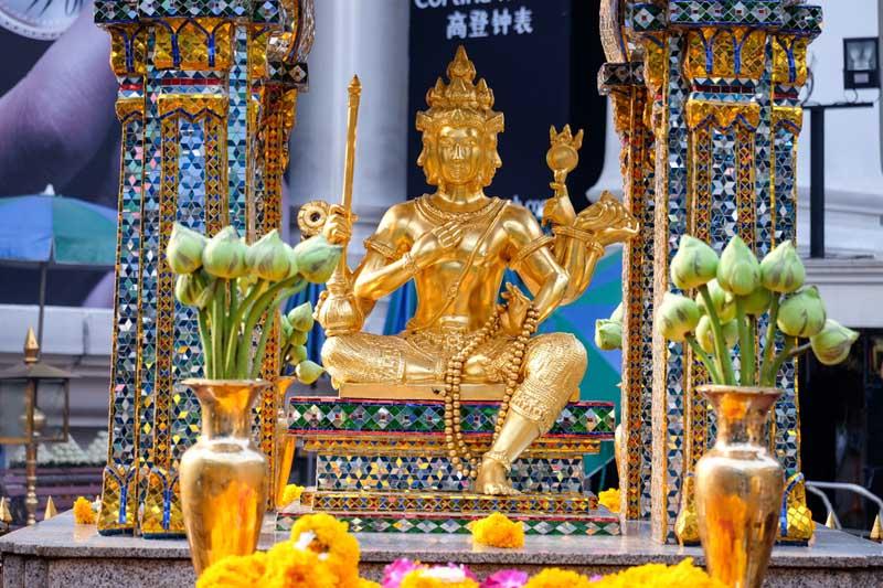 three days in Bangkok Erawan Shrine