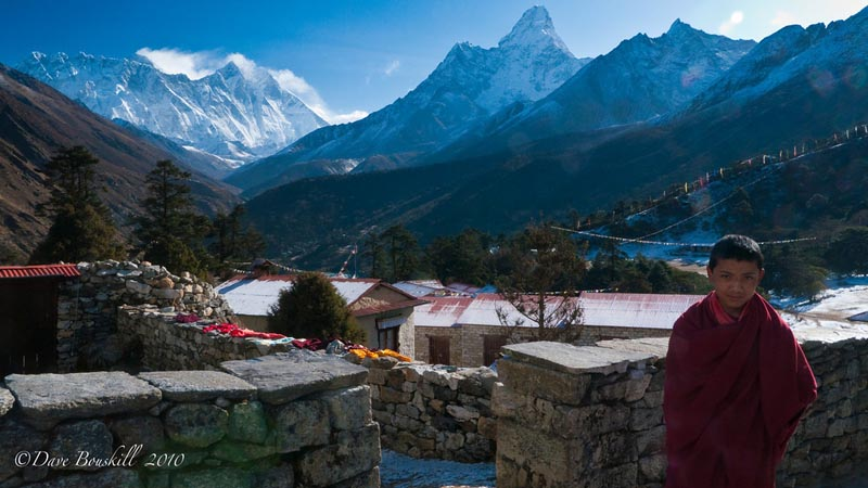 mount everest base camp trek monk