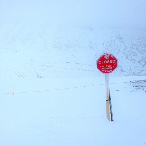 Lake Louise, Avalanche warning