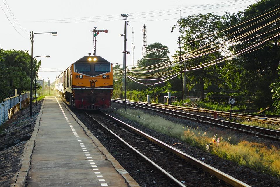xe lửa kết nối đến địa điểm cuối cùng