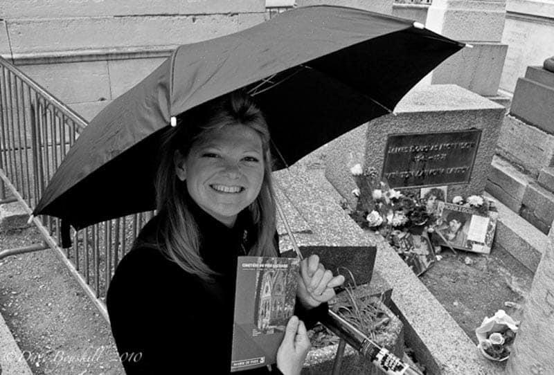 cemeteries are free in paris