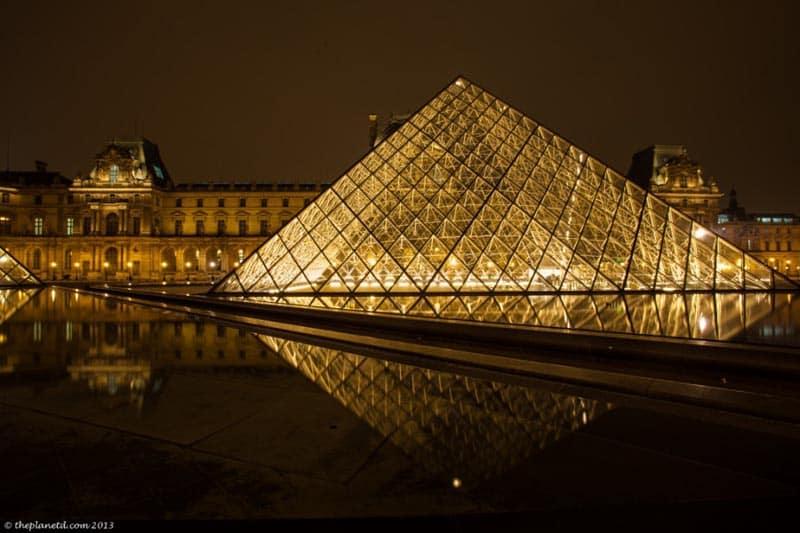 free paris at night