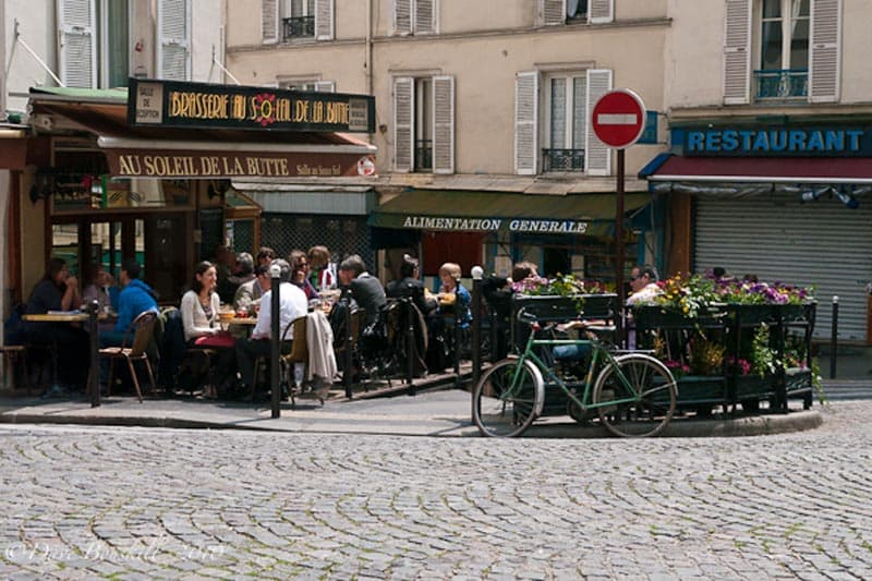 paris for free montemartre cafe