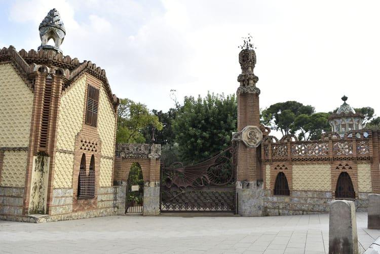 pavellons guell barcelona gaudi works