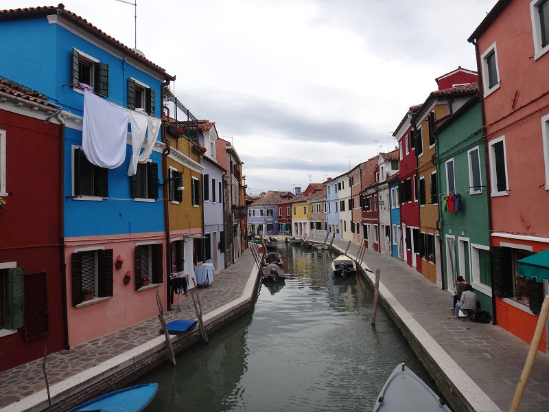 tour bus canal