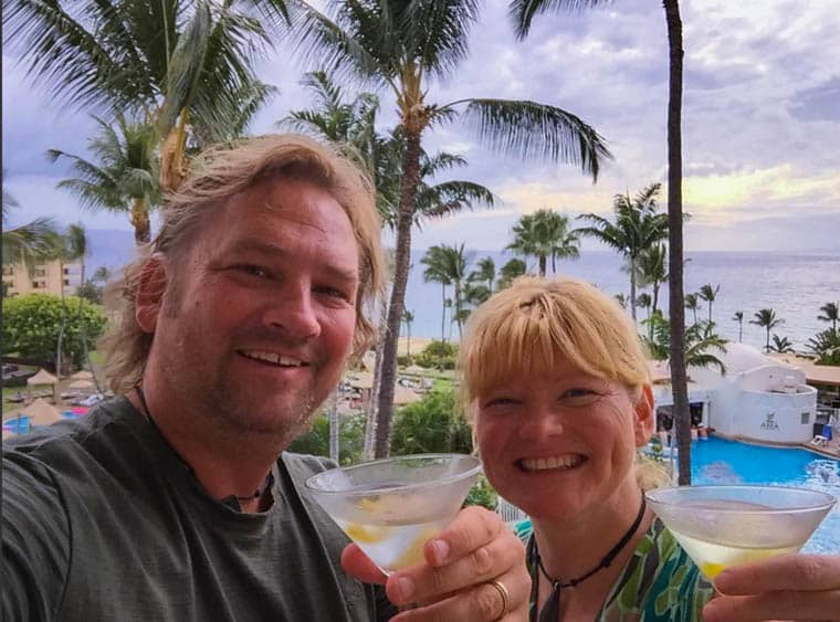 get paid to travel-Dave-and-deb
