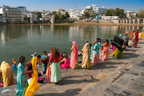 Washing-on-Ghats-Udaipur