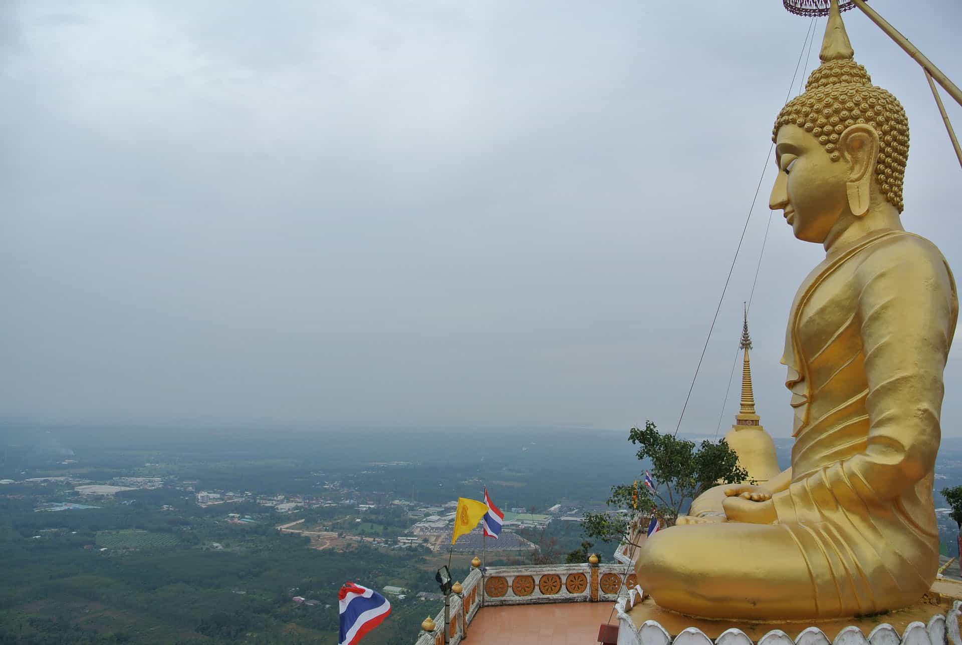 wat tham sua cave tiger temple in Krabi Thailand - pix