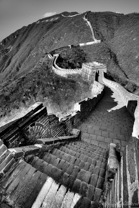 great wall of china black and white