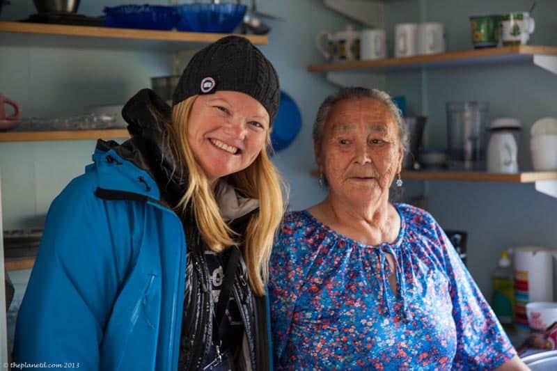 people in greenland how they live