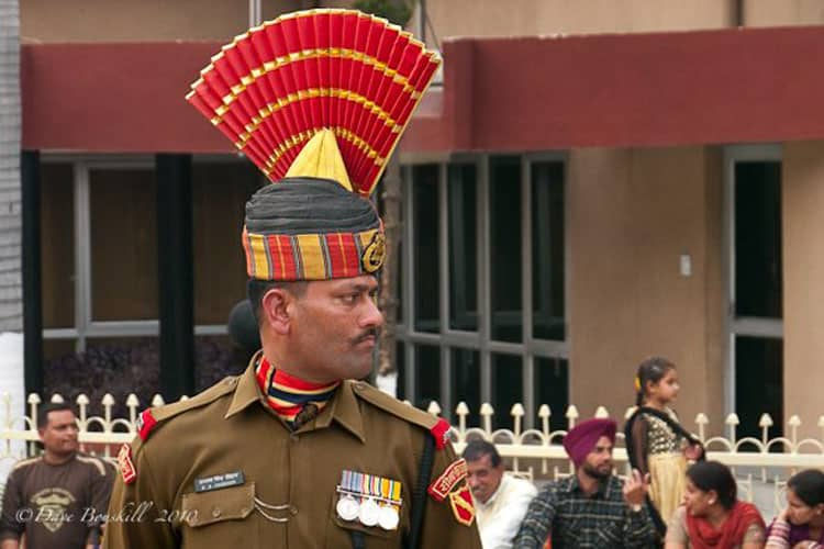 india pakistan border indian soldier from the security force