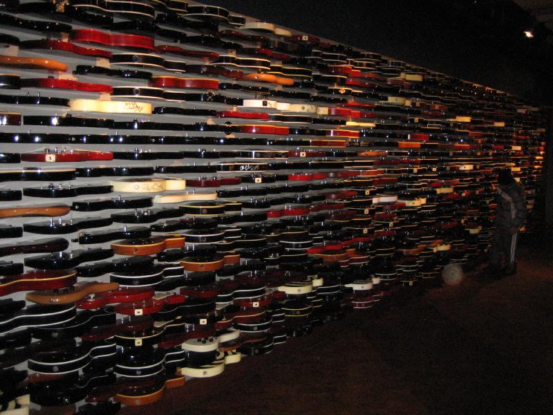 guitar wall hard rock cafe new york city. Black Bedroom Furniture Sets. Home Design Ideas