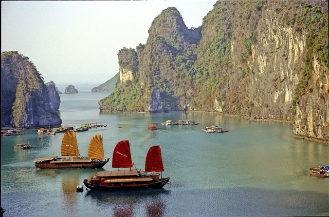 A Romantic Cruise through Ha Long Bay