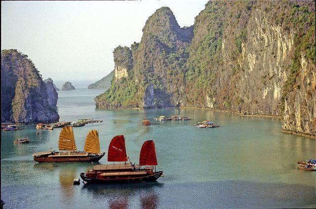 A Romantic Cruise through Ha Long Bay