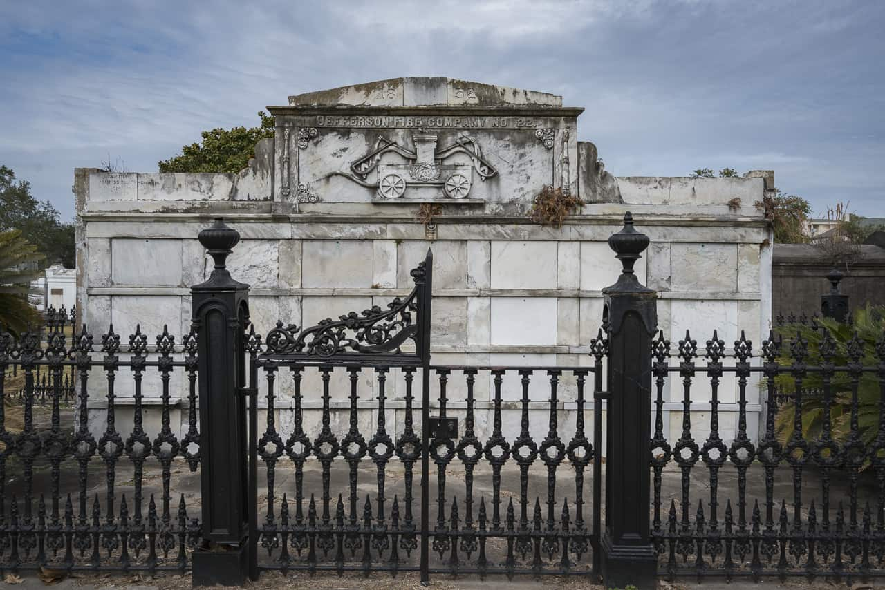 haunted new orleans lafayette cemetery crypt