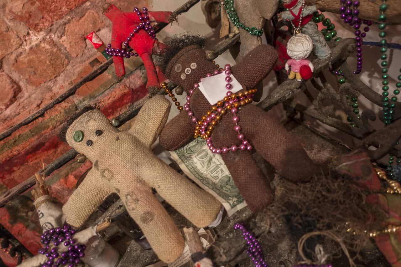 Inside the Voodoo Museum in haunted New Orleans