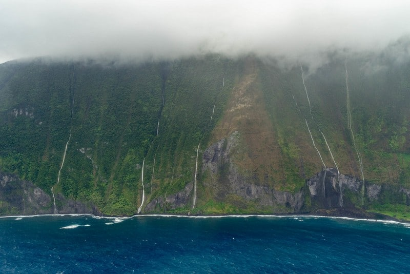 helicopter tours Maui waterfalls of Molokai