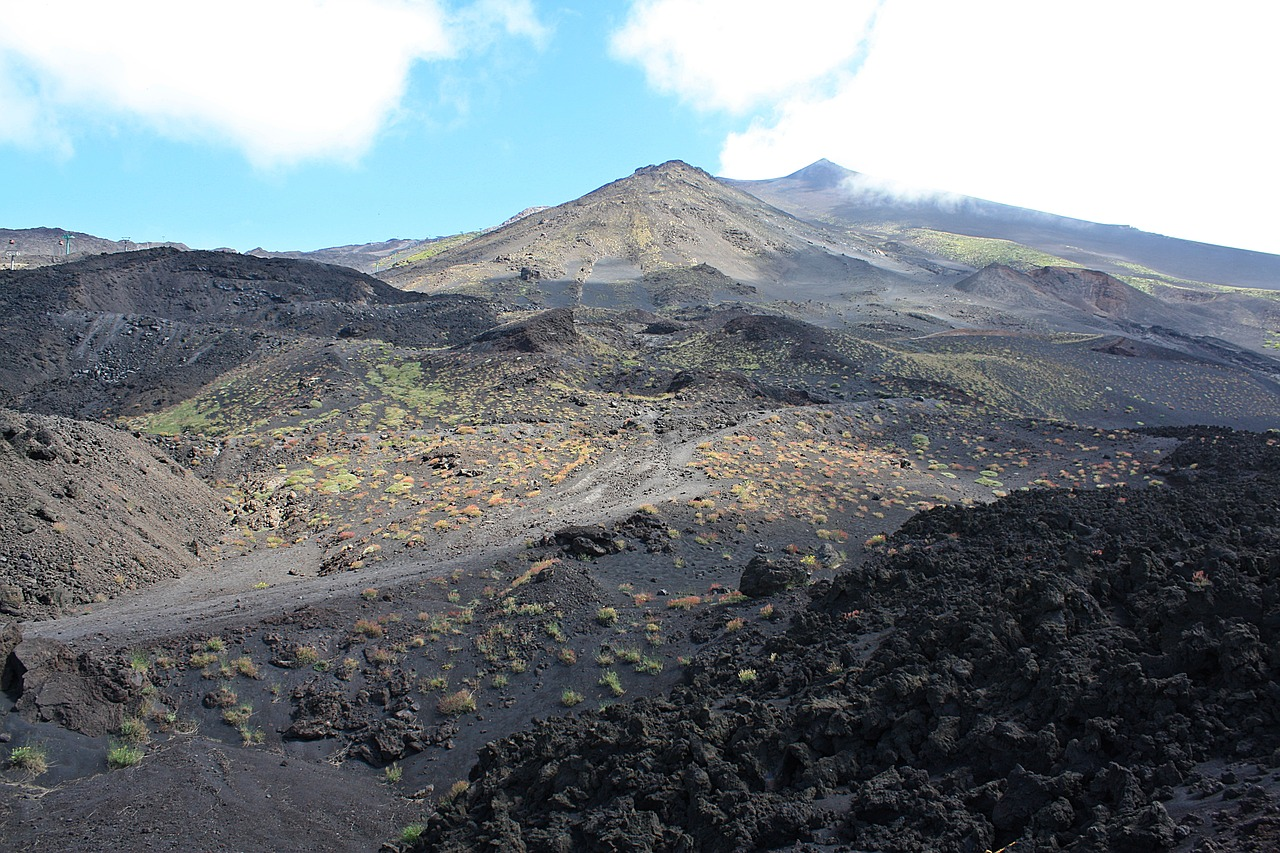 hiking mt etna tips