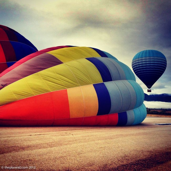 travel photos of hoat air balloons in Spain