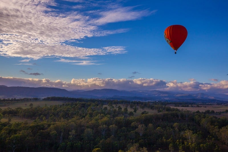 hot air ballooning the Gold Coast - balloon in the sky