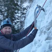 ice-climbing-alberta-canada