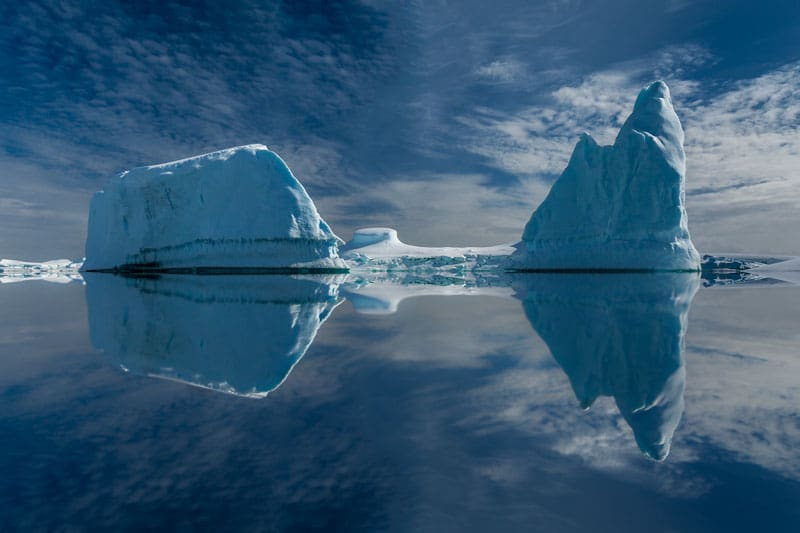 icebergs reflection