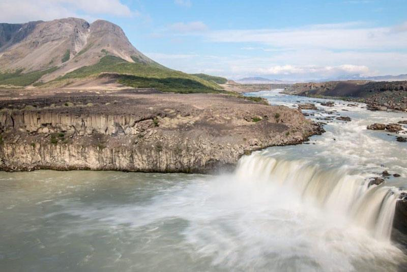 iceland waterfalls pjofafoss