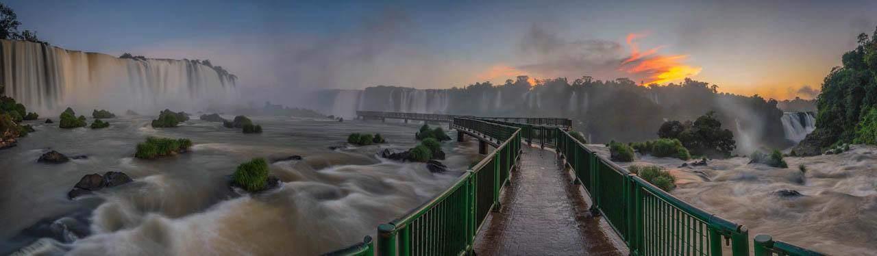 iguazu falls tours catwalk