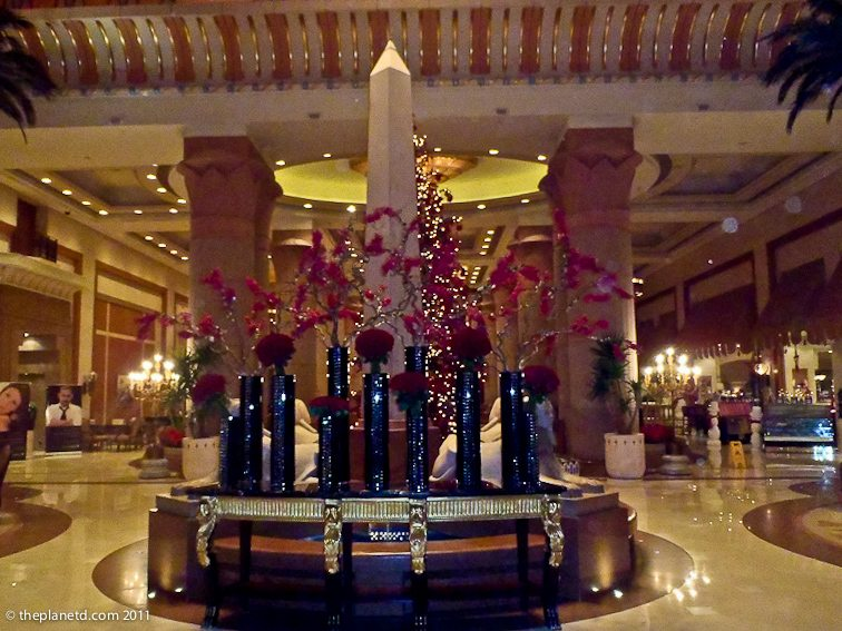 intercontinental-lobby-cairo-9