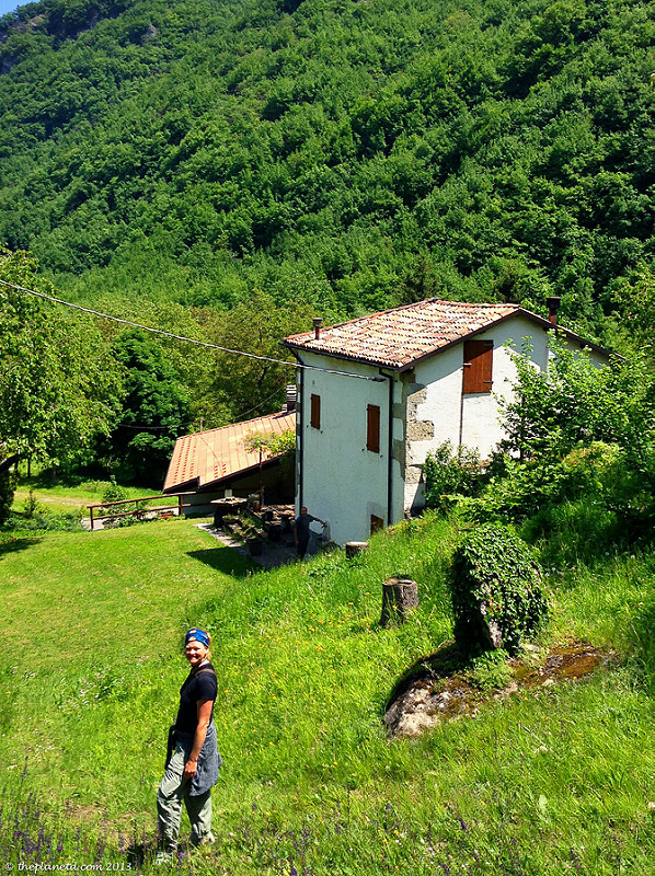 italian hospitality hiking house