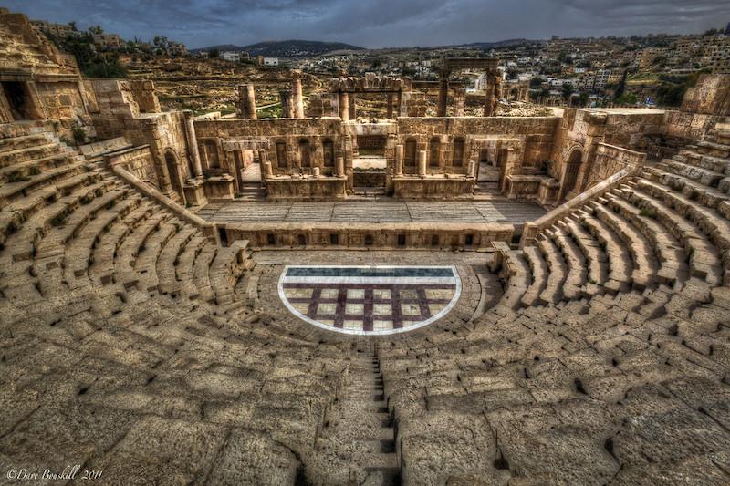 jerash amphitheatre jordan