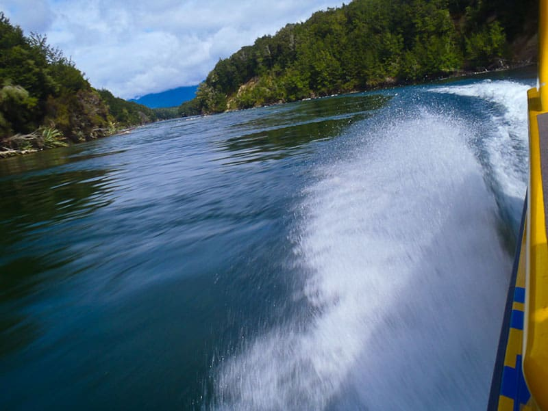 jet boat new zealand waves