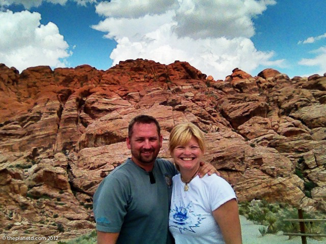 travel couple at Red Rocks national park