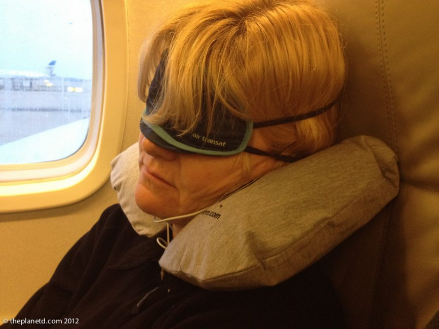 sleeping on the plane to avoid jet lag