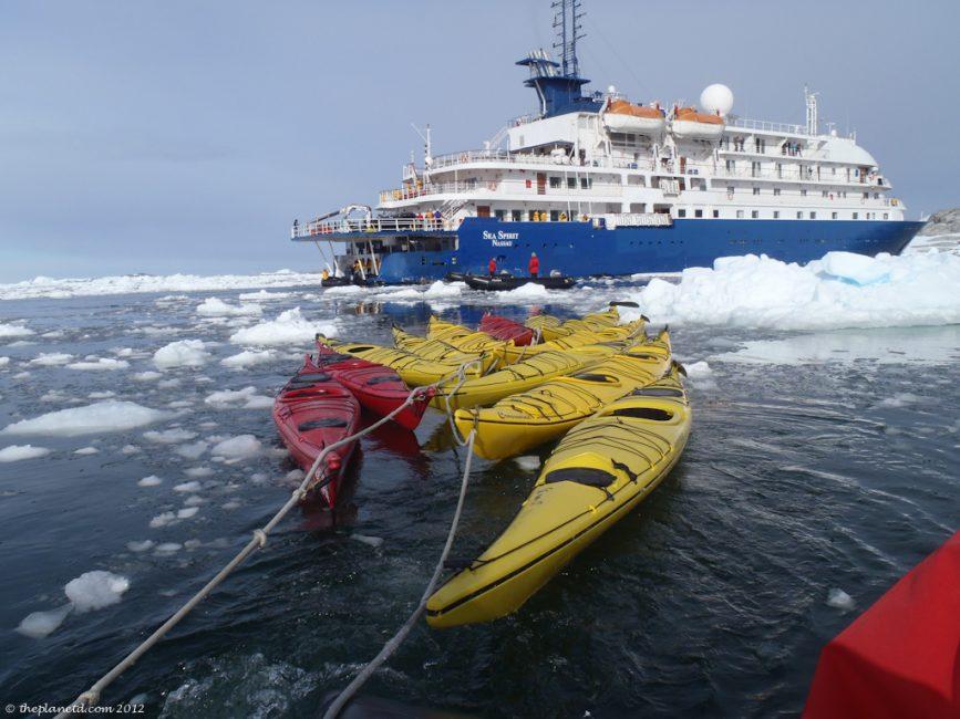 kayaks_Antarctica_Sea_Spirit_Ship