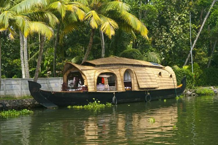 kerala backwaters allepey houseboat tour