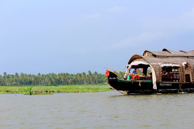 backwaters kerala india houseboat