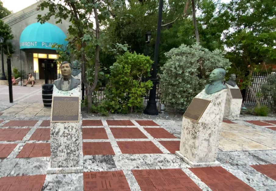 things to see at mallory square key west