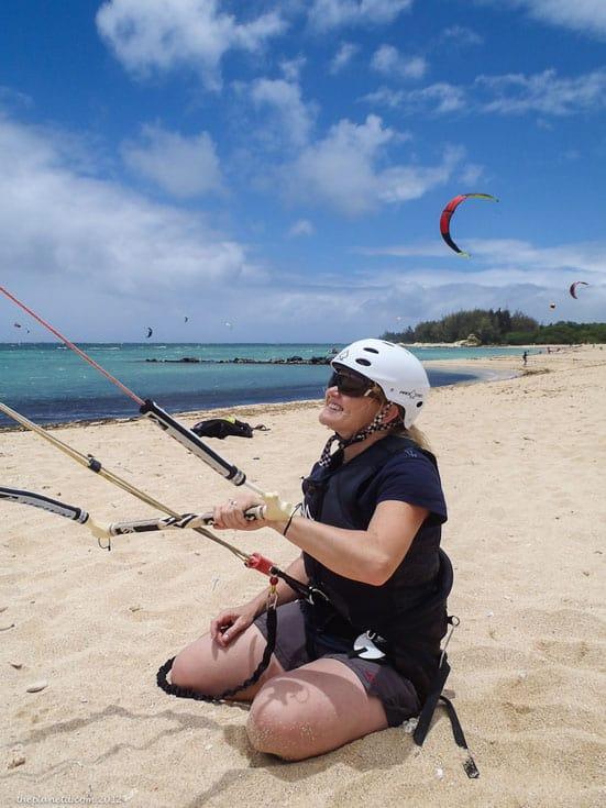 kiteboarding maui kneeling