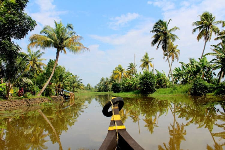 alleppey houseboat view of backwater canal in kerala