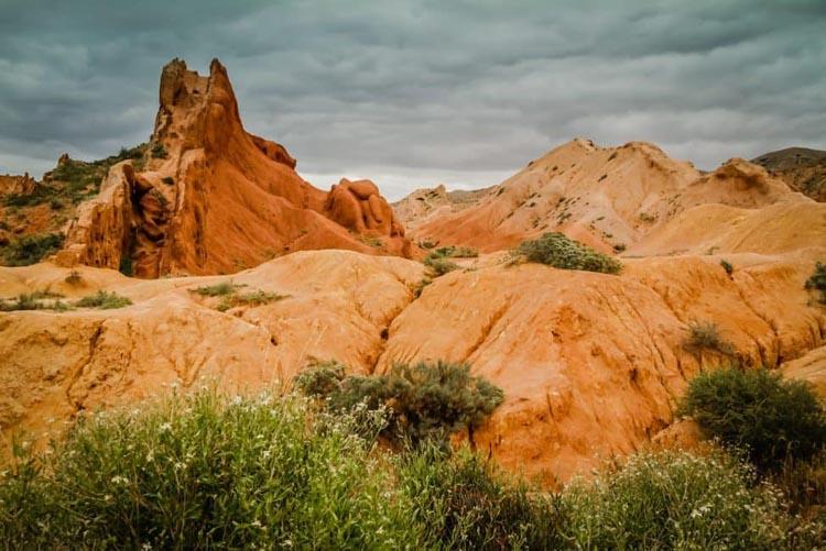 visit kyrgyzstan   skazka canyon