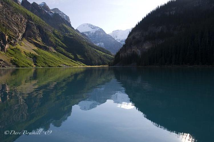 canoe lake louise | shade of the mountain