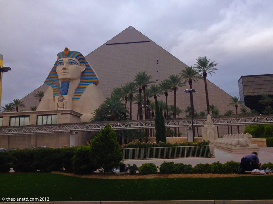 vegas luxor vs the real pyramids