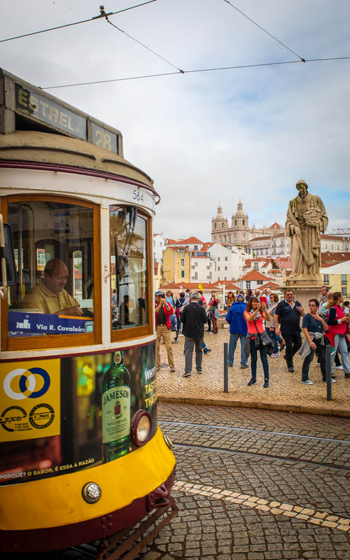what to do during a layover in lisbon portugal | tram 28