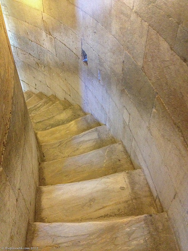 tower of pisa staircase