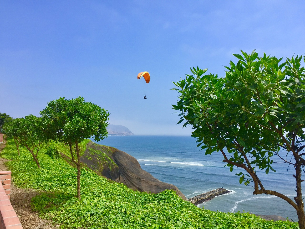 paragliding lima peru things to do