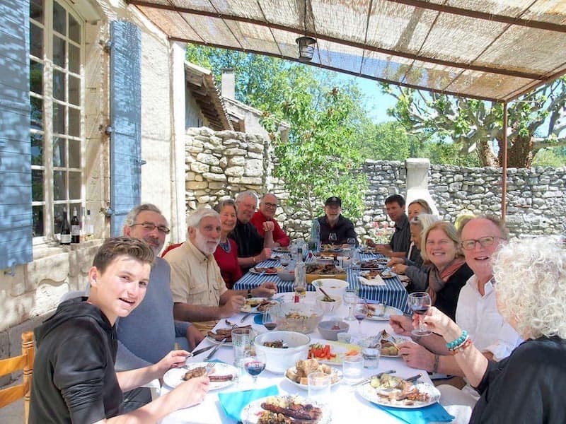 How to Make Friends in France – Tips from American Expats