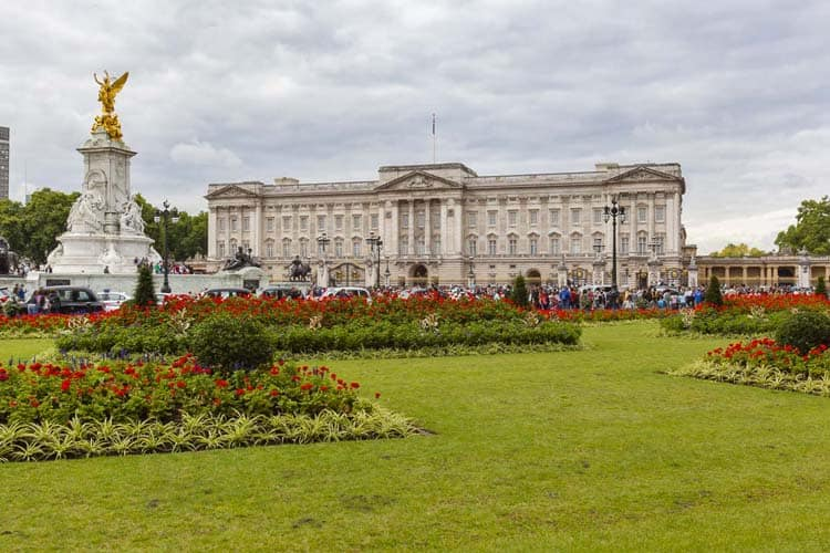 famous london symbols | buckingham Palace
